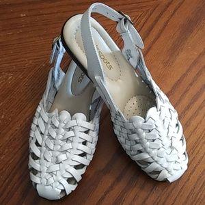 Soft spot sandals size 7
